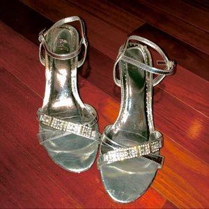 Silver diamond 1 inch high heel shoe dance, formal